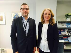 Morten Bakke (politisk rådgiver) og Anniken Hauglie (statsråd)